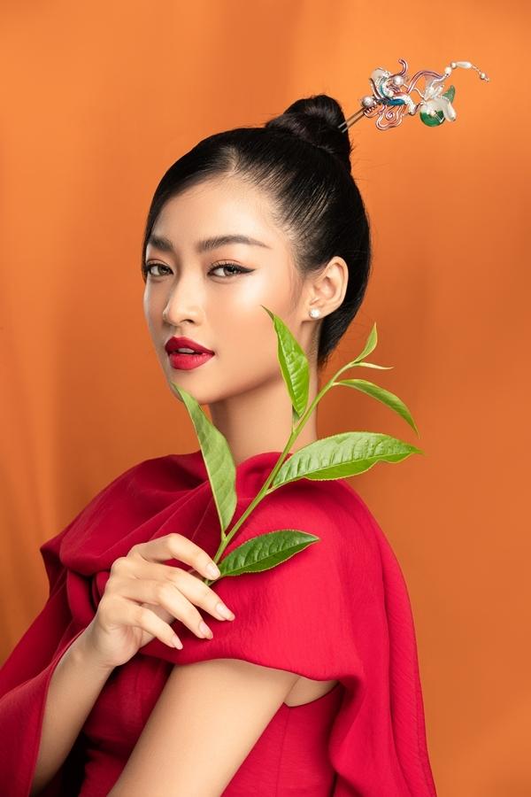 Kiều Loan cũng có sự tiến bộ về phong thái kể từ khi đăng quang Á hậu 1 Hoa hậu Thế giới Việt Nam hồi tháng 8/2019.
