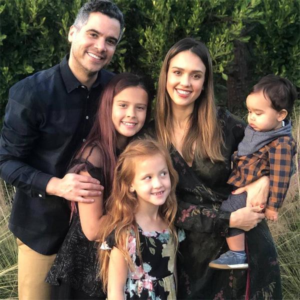 Jessica đang có tổ ấm hạnh phúc bên ông xã Cash Warren và 3 nhóc tỳ kháu khỉnh. Con gái đầu lòng Honor hiện 11 tuổi và con gái thứ Haven 8 tuổi.