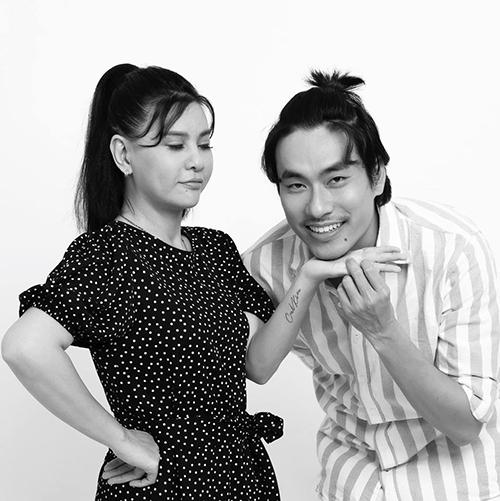 Nghệ sĩ Cát Phương đăng ảnh hạnh phúc bên ông xã Kiều Minh Tuấn cùng chú thích hài hước: Hổng chơi nhổ nước miếng lên tay nghen.