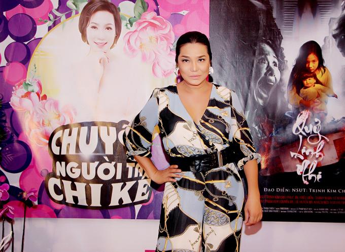 Ca sĩ Cindy Thái Tài ấn tượng với các sản phẩm nghệ thuậtdo Trịnh Kim Chi sản xuất và đạo diễn.