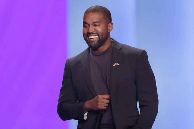 Theo Mail, Kanye đã chi 14,5 triệu USD (336 tỷ đồng) mua mảnh đất này để tận hưởng cuộc sống miền viễn Tây bình yên, hoang sơ. Những năm gần đây, công việc kinh doanh thời trang của rapper Mỹ ngày càng phát đạt nên anh rủng rỉnh tiền để thỏa mãn những đam mê riêng của mình và gia đình.