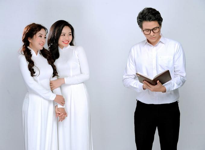 Thúy Nga, Lê Lộc tái hiện hình ảnh các cô nữ sinh tinh nghịch, hay để ý rồi tìm cách trêu ghẹo thầy giáo trẻ.