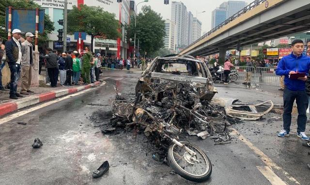 Xe Mercedes gây tai nạn liên hoàn, một người chết - 1
