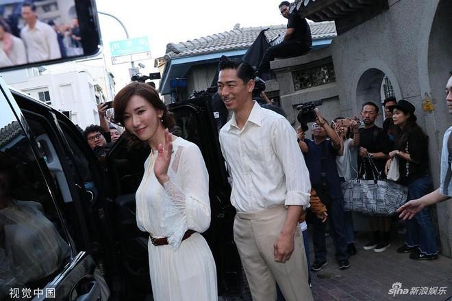 Lâm Chí Linh và ông xã người Nhật Bản.