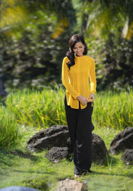 HHen Niê mặc áo bà ba Thuận Việt - 1