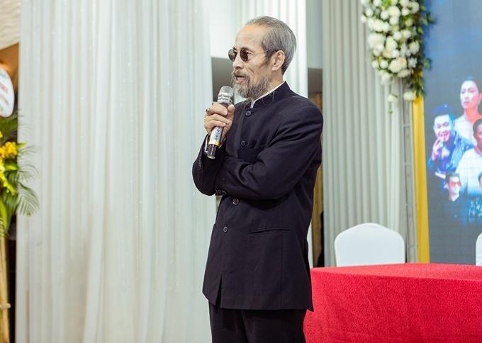 Nghệ sĩ Chu Hùng trong họp báo.