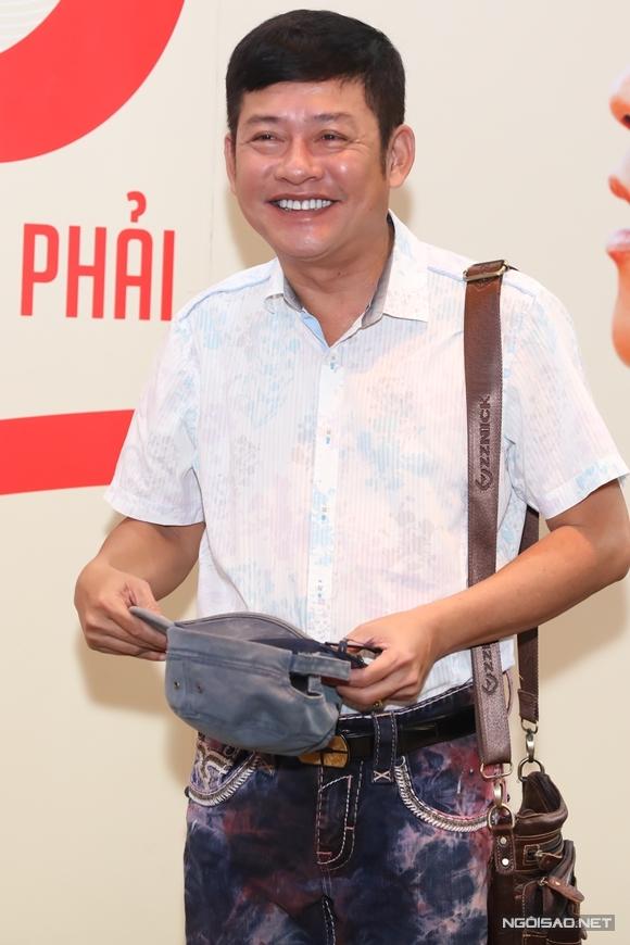 Danh hài Tấn Beo mang râu giả khi tham gia 30 chưa phải Tết.