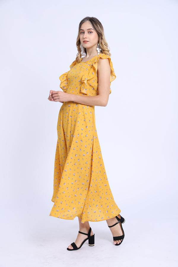Váy dài có độ rũ nhẹtạo cảm giác thướt tha cho người mặc.