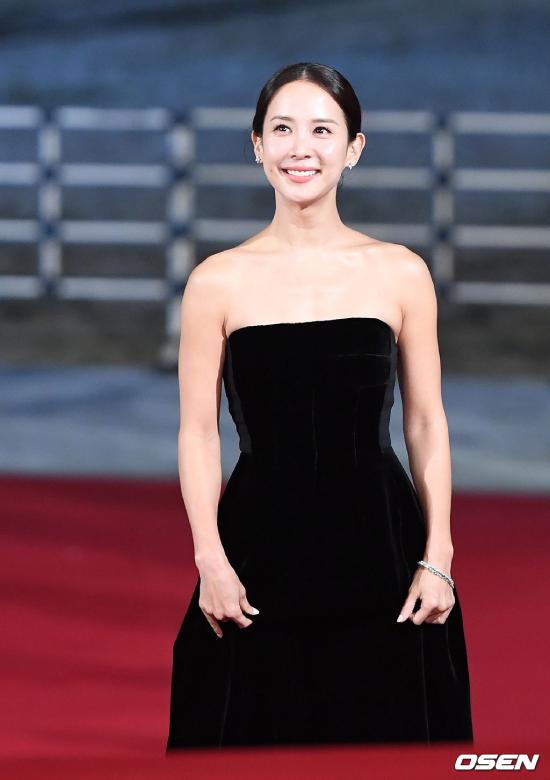 Diễn viên phim nóng Jo Yeo Jung. Năm nay, với thành công của bộ phim Ký Sinh Trùng, Jo Yeo Jung vinh dự nhận giải thưởng Nữdiễn viên chính xuất sắc.