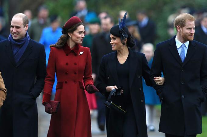 Nhà Cambridge và nhà Sussex đi lễ nhà thờ vào đúng ngày Giáng sinh tại Sandringham. Ảnh: AP.