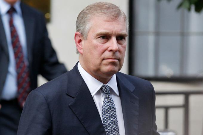 Hoàng tử Andrew nhận khoản 270.000 bảng mỗi năm. Ảnh: NZherald.