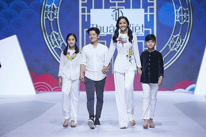 HHen Niê diễn thời trang cùng mẫu nhí - 11