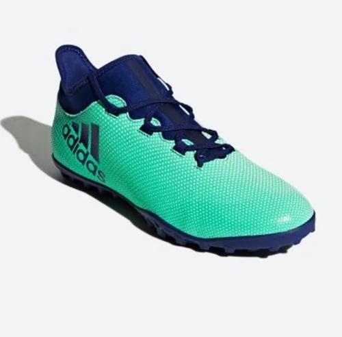 GiàyAdidas X Tango 17.3phối hai màu xanh ngọc và xanh dương. Thân giày mềm và chắc chắn, đem đến cảm giác thoải mái khi vận động, di chuyển tốc độ cao.Sản phẩm đang giảm 22% trên Shop VnExpress, còn 1,79 triệu đồng (giá gốc 2,29 triệu đồng).
