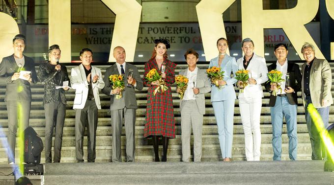 Từ khi đăng quang Hoa hậu Đại sứ Du lịch Thế giới 2018 Phan Thị Mơ đắt show đi sự kiện và làm giám khảo nhiều cuộc thi.