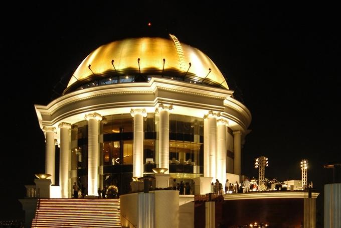 The Dome nằm trên cùng là khu vực riêng tư dành cho khách Vip đặt trước.