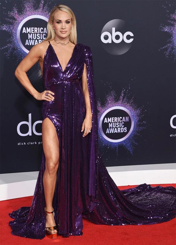 Ca sĩ Carrie Underwood.