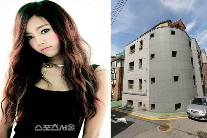 Năm 2015, nữ ca sĩ tiếp tục bỏ ra 2,9 triệu USD tậu một ngôi nhà 4 tầng ở gần bệnh viện đại học Eulji, phố Gangnam, thủ đô Seoul. 2 năm sau, cô bán lại tòa nhà với giá 3,5 triệu USD. Ngoài ra, nữ ca sĩ còn bỏ túi thêm376.000 USD từ tiền thuê nhà trong suốt 2 năm sở hữu. Ảnh: