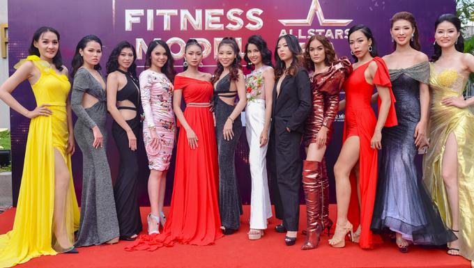 Chương trình tối qua còn có nhiều người mẫu tham dự. Vietnam Fitness Model là sân chơi dành cho những người đam mê bộ môn thể hình.