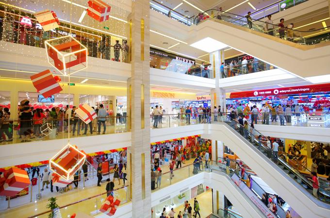 Chủ thẻ tín dụng TPBank có cơ hội mua sắm hàng hiệu giá ưu đãi và được hoàn tiền đến 15% tại Vincom.