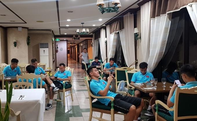 U22 Việt Nam trong phòng ăn khách sạn Southwoods.