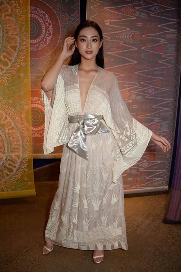 Lương Thùy Linh lùn một mẩu trong ảnh của BTC Miss World