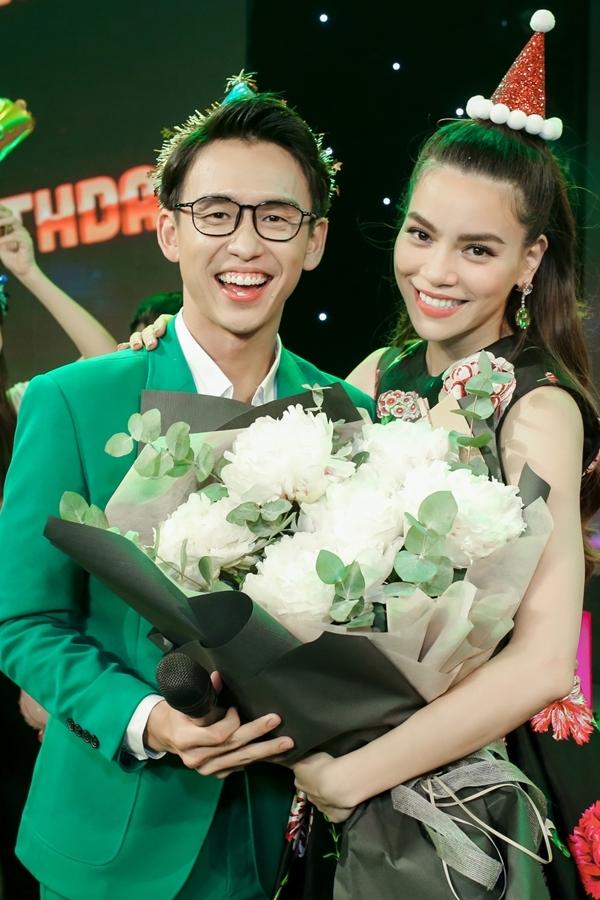 MC Quang Bảo chúc đàn chị gặt hái nhiều thành công hơn trong sự nghiệp hoạt động nghệ thuật.