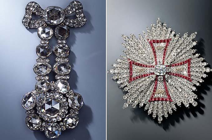 Hai trong số những món đồ trang sức bị đánh cắp khỏi bảo tàng Green Vault. Ảnh: AP.