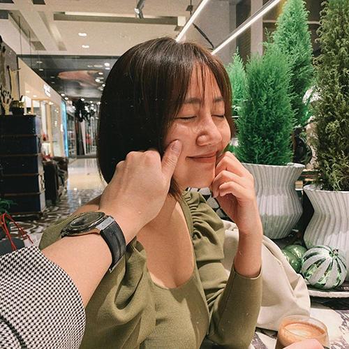 Chia sẻ khoảnh khắc hạnh phúc bên người đàn ông giấu mặt trong chuyến du lịch Đài Loan, Văn Mai Hương viết: Tất cả những điều em muốn trong Giáng sinh chính là anh.