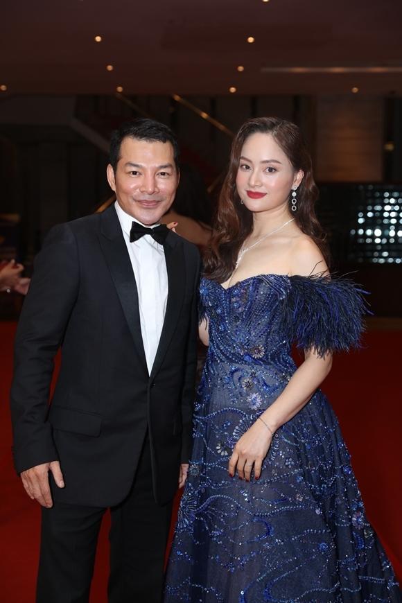 Diễn viên Lan Phương sóng vai diễn viên - nhà sản xuất Trần Bảo Sơn.