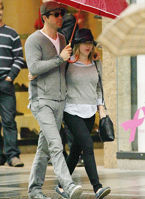 Scarlett và Ryan Reynolds khi còn bên nhau.