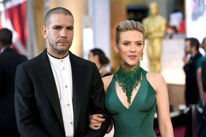 Nữ diễn viên và người chồng thứ hai, nhà báo Romain Dauriac.