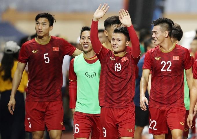 Bốn tuyển thủ quốc gia dự bị trận gặp Brunei đã có cơ hội đá chính trước Lào. Ảnh: Đức Đồng.