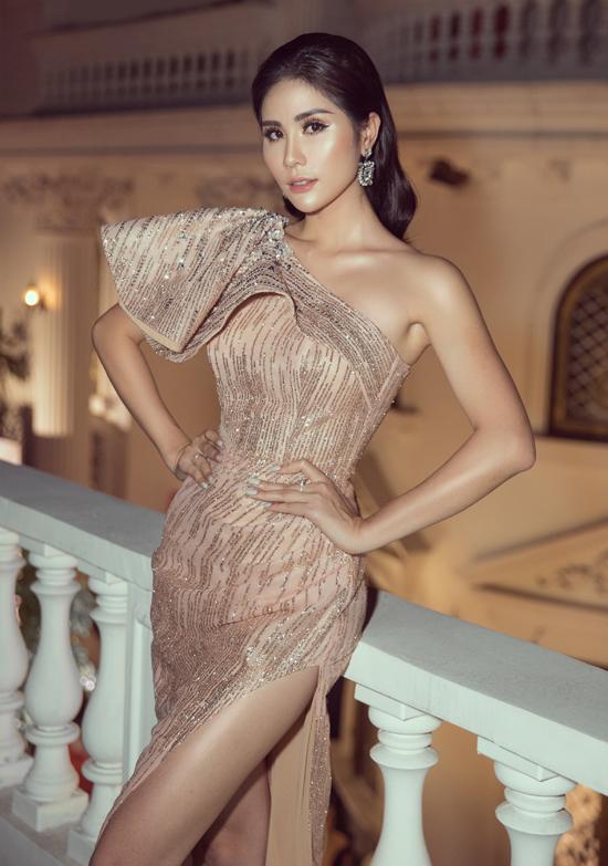 Người đẹp quê Nghệ An có mối quan hệ thân thiết với nhà thiết kế Nguyễn Minh Tuấn.