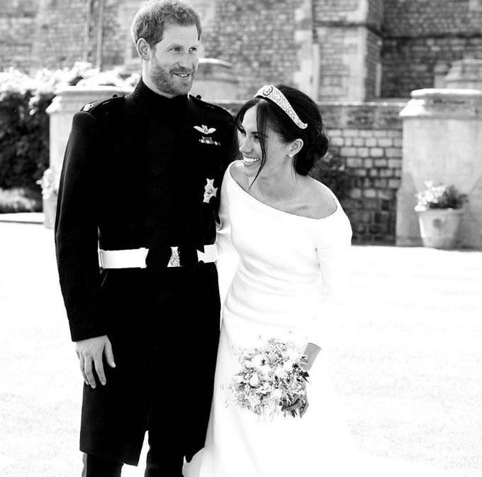 Bức ảnh cưới lần đầu được công bố của nhà Sussex. Ảnh: Instagram.