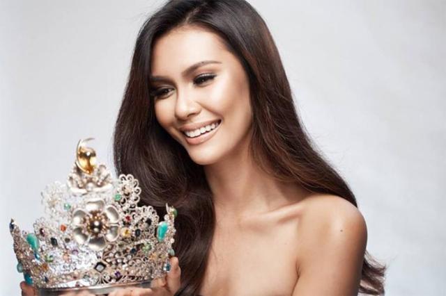 Một Hoa hậu Trái đất khác làAngelia Ong dại diện cho đoàn Thái Lan. Người đẹp đăng quang Miss Earth năm 2015