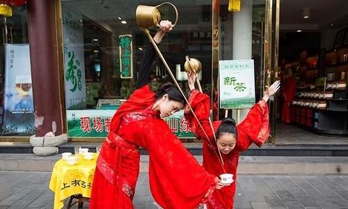Kungfu rót trà như múa ở Trung Quốc