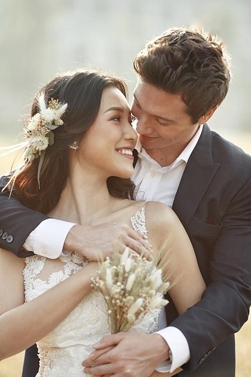 Hoàng Oanh và chồng sắp cưới.