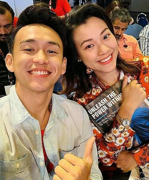 Quang Bảo và Hoàng Oanh là bạn thân của nhau.