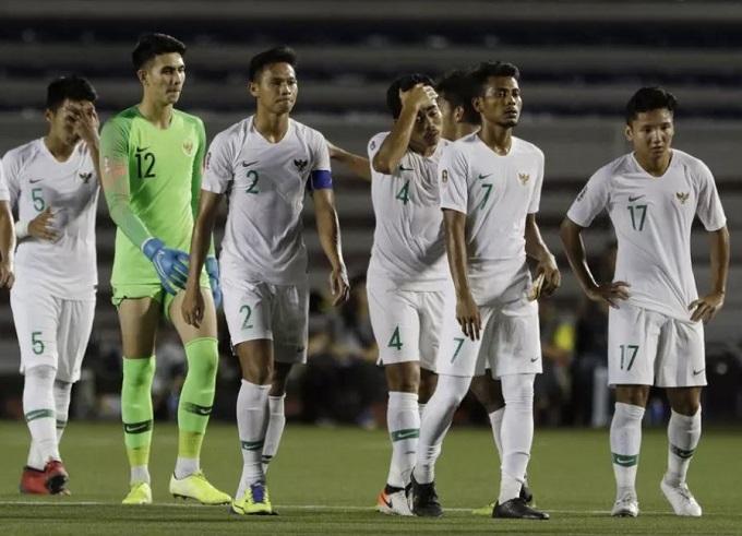 Nỗi thất vọng của cầu thủ Indonesia sau trận. Ảnh: Bola.com