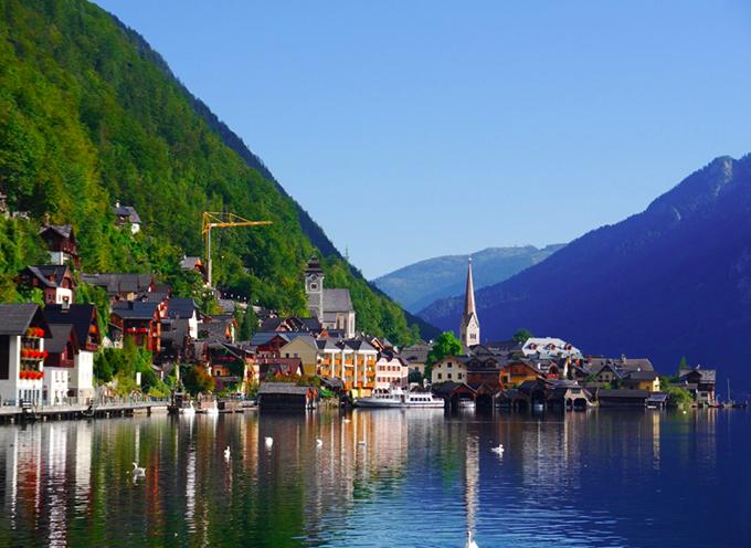 Khung cảnh bình yên, đẹp như tranh vẽ của làng Hallstatt. Ảnh: Lê Vũ Hà