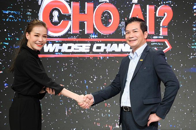 Nguyễn Thị Nhung và sếp Phạm Thanh Hưng chốt mức lương thành công.