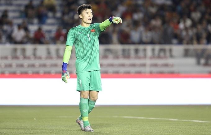 Ngoài tình huống sai lầm, Bùi Tiến Dũng đã chơi tốt trong hiệp một. Đây là trận thứ hai anh bắt chính ở SEA Games, sau khi trận trước được cho nghỉ ngơi, nhường chỗ cho Văn Toản.