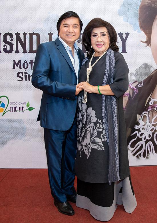 Nghệ sĩ cải lương Chí Tâm ủng hộ Lệ Thuỷ chia sẻ chặng đường 60 năm ca hát.