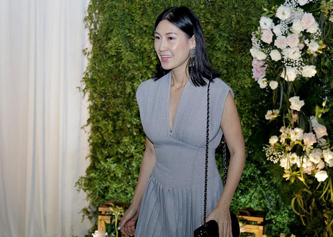 Diễn viên Kathy Uyên từng đóng chung phim Bộ ba rắc rối với Hoàng Oanh.