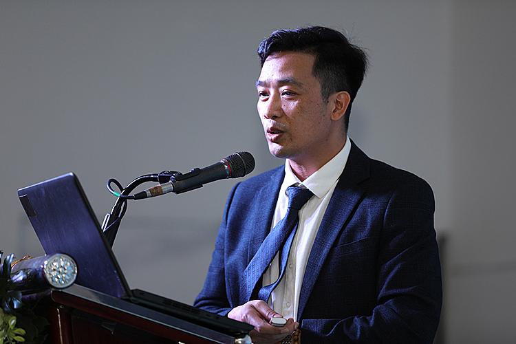 Sau phiên thảo luận của các diễn giả là phần ký kết hợp tác chuyên môn giữa Bệnh viện thẩm mỹ Kangnam cùng Bệnh viện Nhân dân 115 nhằm tăng cường yếu tố an toàn và kỹ năng xử lý rủi ro. Cùng với việc ký kết, Kangnam sẽ nhận được sự hỗ trợ kịp thời từ phía Bệnh viện Nhân Dân 115 khi sự cố xảy ra, hướng tới việc tự nâng cao tính an toàn trong từng ca phẫu thuật.