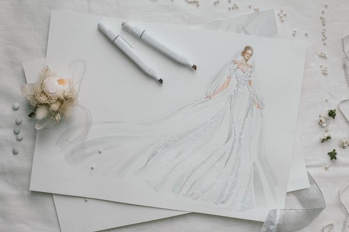 Phác thảo đầm cưới chính của Á hậu Hoàng Oanh. Trương Thanh Hải đã sáng tạo nên váy cưới trong mơ của tân nương dựa trên ý thích của cô dâu về mẫu đầm giản dị, thanh lịch.