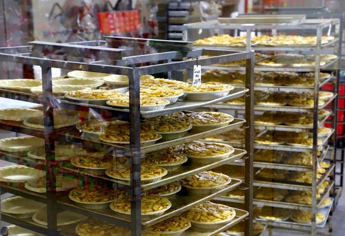 Tiệm bánh hình quả táo lớn nhất thế giới