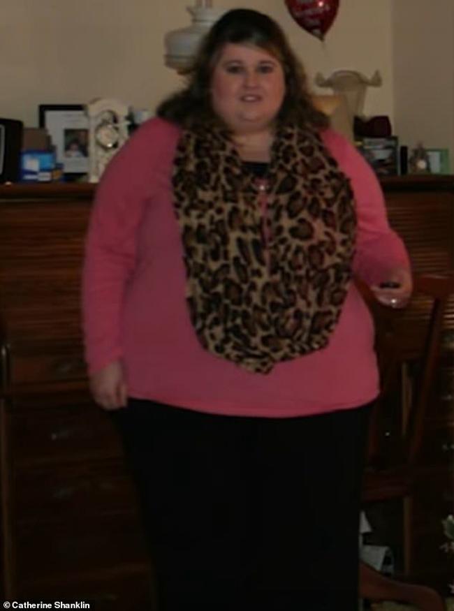 Cân nặng 190 kg khiến sức khỏe của Catherine giảm sút.
