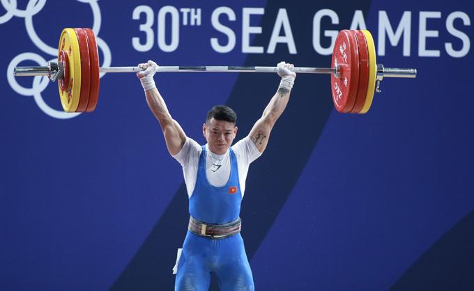 Thạch Kim Tuấn thi đấu sáng ngày 2/12.