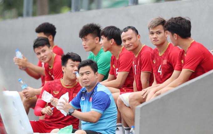 19h ngày 3/12, thầy trò HLV Park Hang-seo bước vào lượt trận thứ tư gặp Singapore, hai ngày sau đó có trận đấue quết định